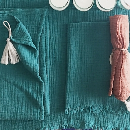 Serviette franges ou baby cheche aqua