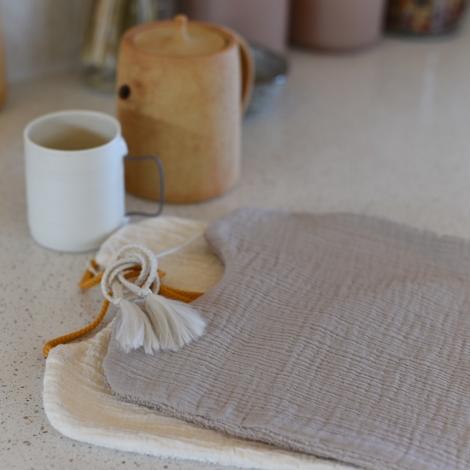 Bib Nomade hand dyed chanvre