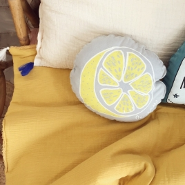 Small squaeker cushion lemon  - nuage